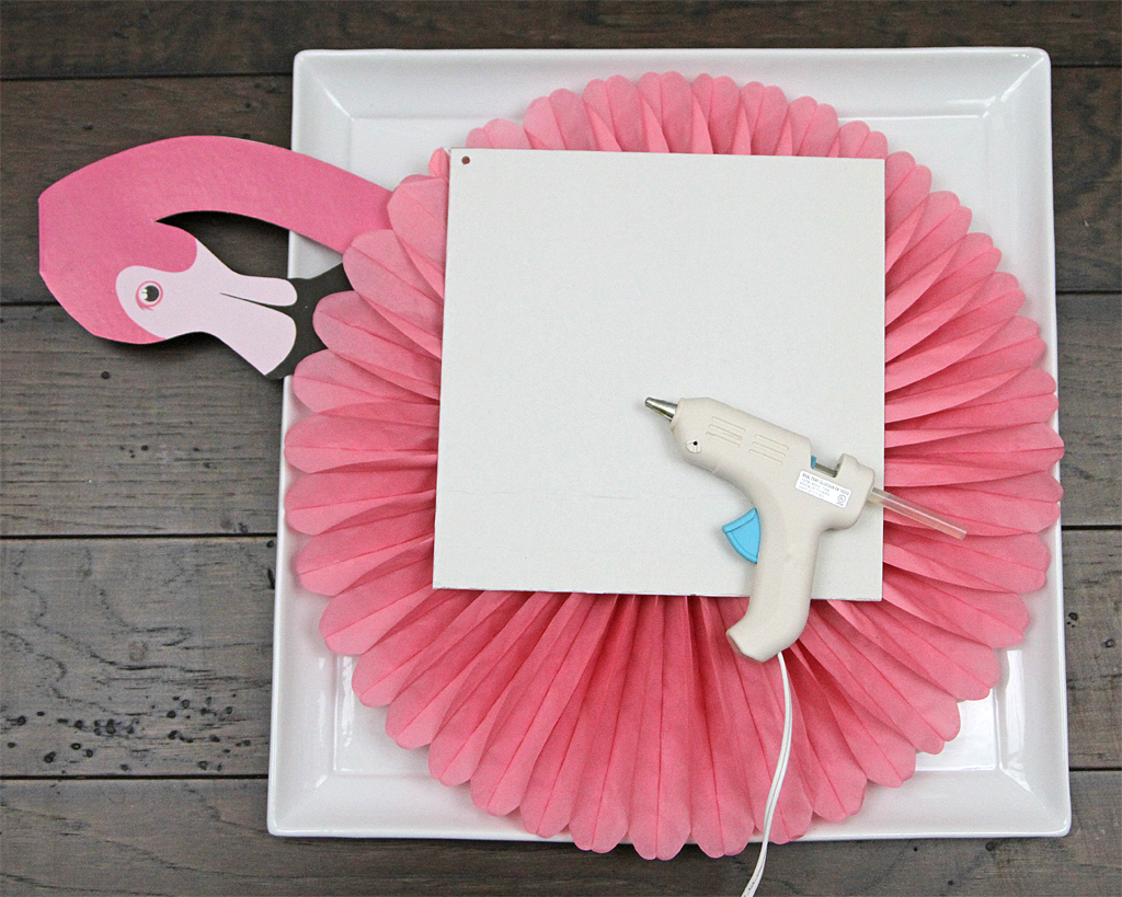 DIY Flamingo Wreath How-To