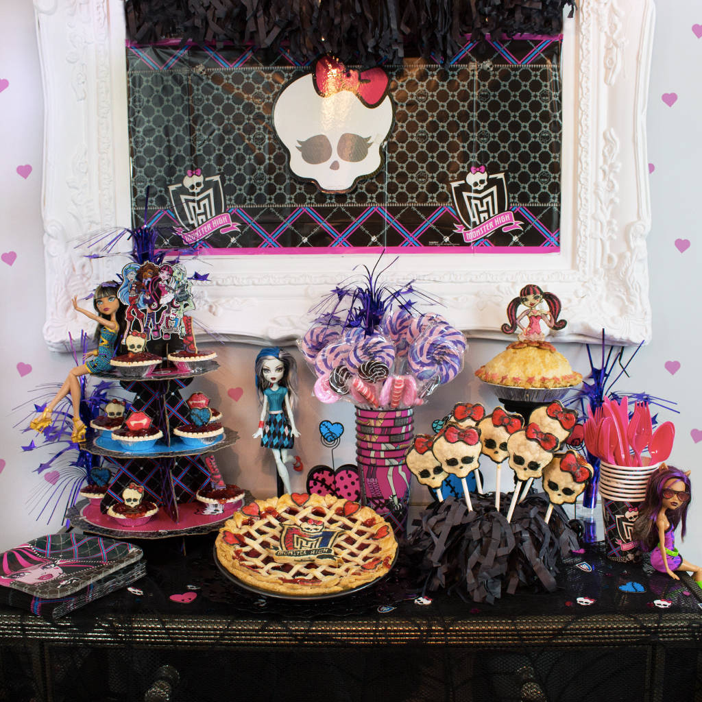 Monster High Pie Party