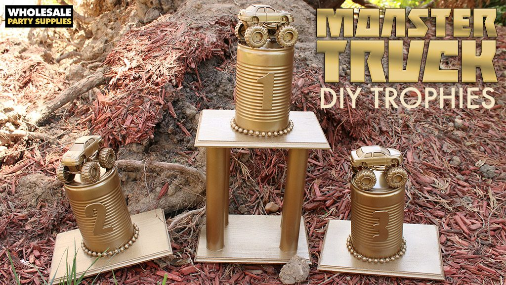 how to make a trophy with household items